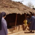 I bambini accolgono le missionarie